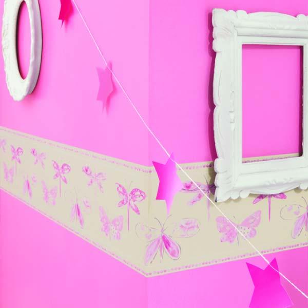 用浪漫的時尚裝修房間,給你的小女孩 蝴蝶,刺蝟,貓頭鷹,蝸牛都聚集來裝飾牆壁和您的孩子創造一個充滿幻想和樂趣。 動物是慶祝,遊戲和舞蹈,他們! 陪伴你的孩子!